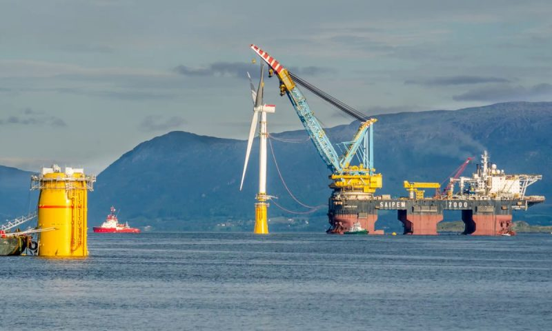 Saipem 7000 Equinor's Hywind Tampen Floating offshore wind farm