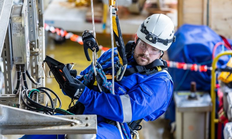 Latest oil and gas news, Refinery, maintenance, Petrofac, BP, inspection, north sea, offshore, energy, energy facts, digital technology