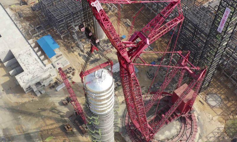 !!Mammoet Installs World's Largest Crude Distillation Column!!