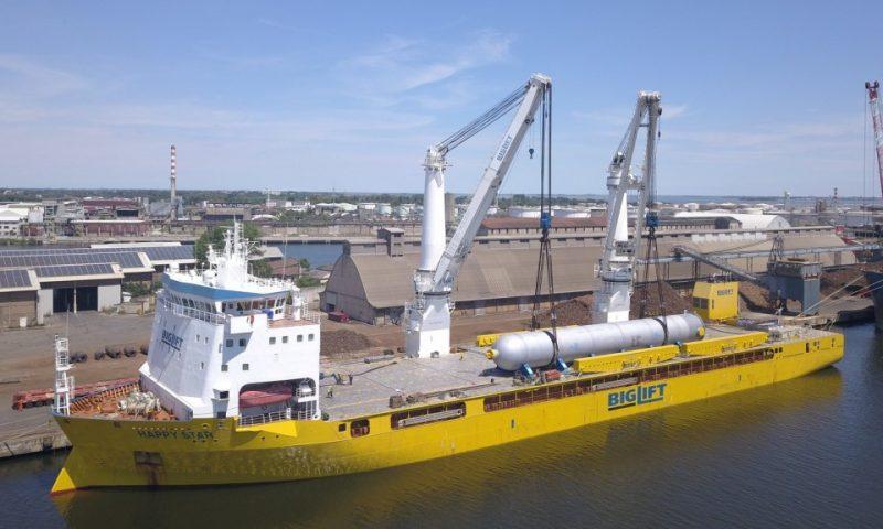 BigLift Transports Three Mega Reactors for the Sriracha Refinery
