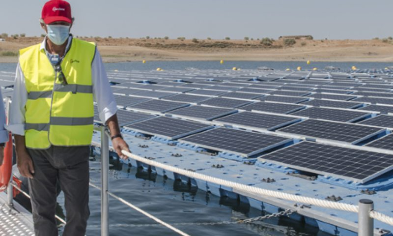 ACCIONA Connects its First Floating Photovoltaic Plant to the Grid