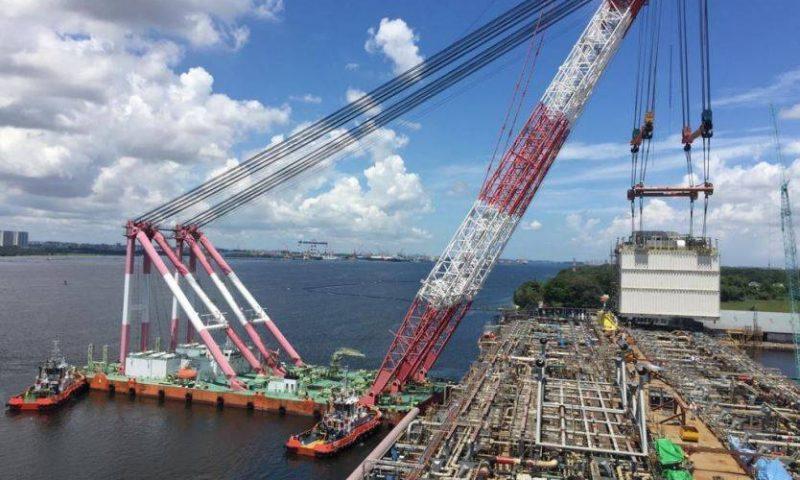 Sheerleg Crane Lifting FPSO Modules