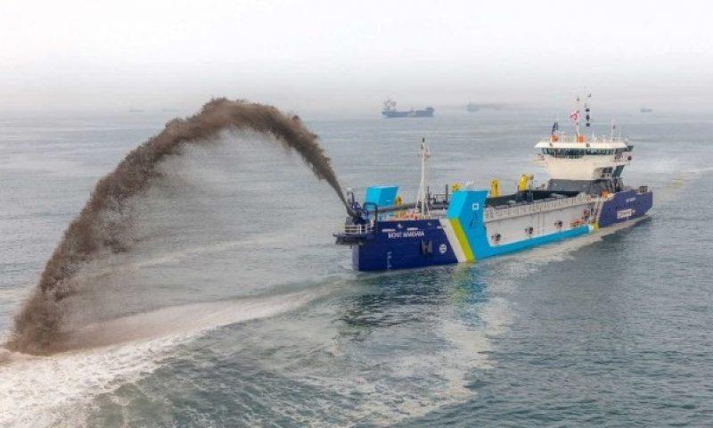 trailing suction hopper dredger (TSHD) MONT MANDARA