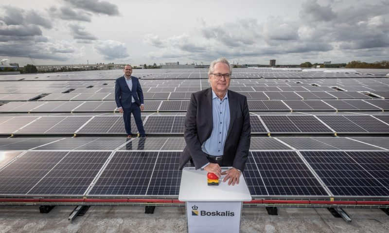 Boskalis Takes 5,350 Solar Panels Into Use