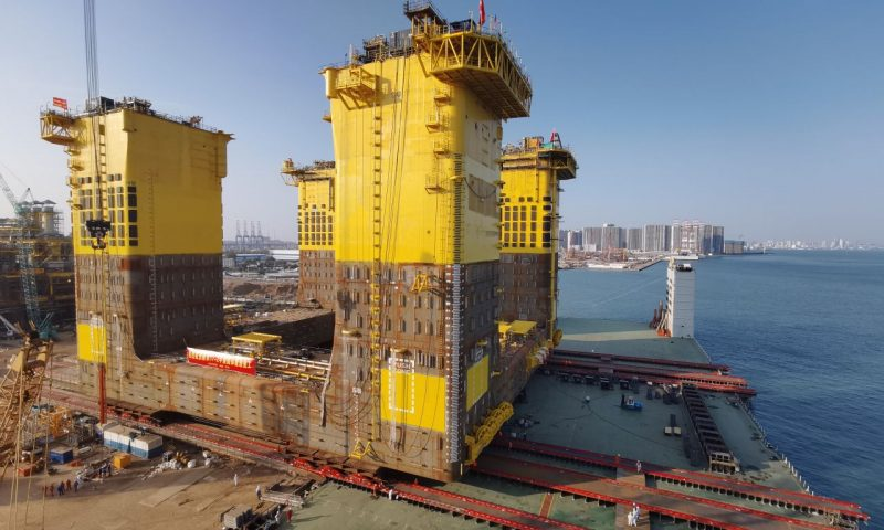 Mammoet Successfully Performed 34,000t Hull Loadout