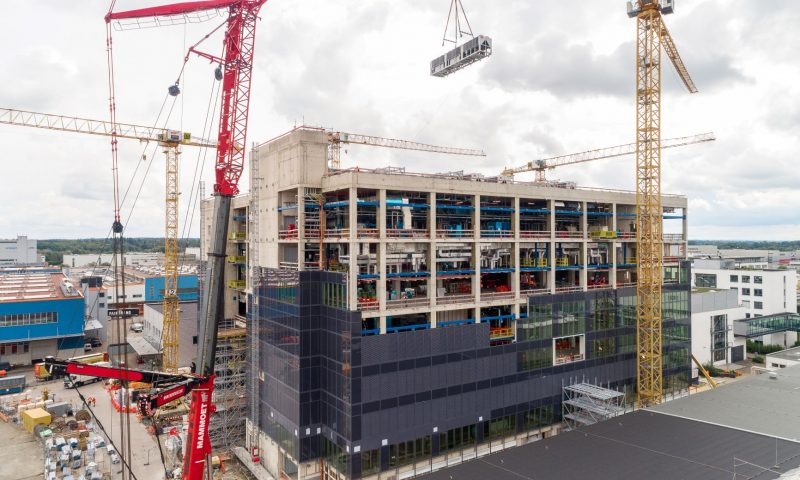 Mammoet Supports the Construction of a Biotech Plant