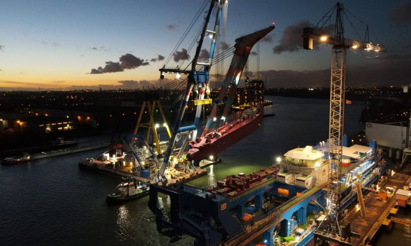 Sheerleg crane heavy lift tandem