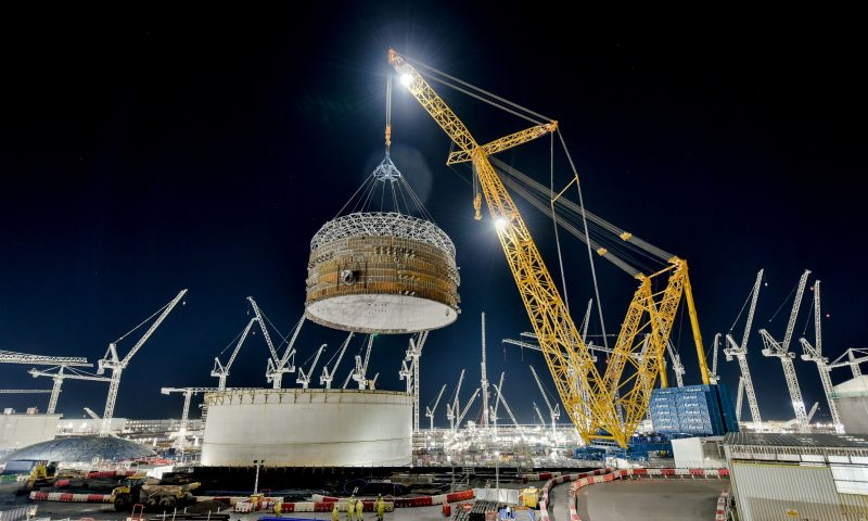 Big Carl's Biggest Lift Ends 2020 at Hinkley Point C