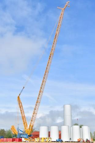 Sarens Erects Wind Turbines Using Liebherr LR 11000 Crawler Crane