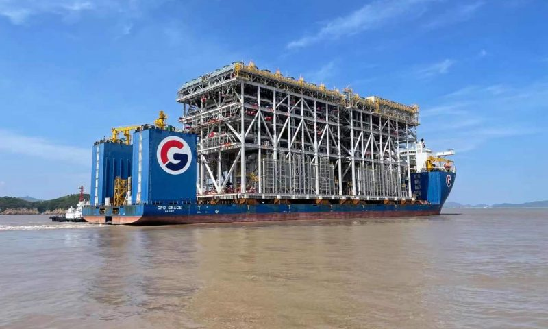 GPO Vessels Spotted Transporting Modules for Arctic LNG Project